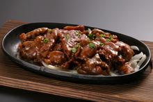 牛肉の鉄板焼