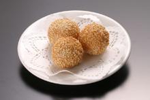 揚げ胡麻ダンゴ