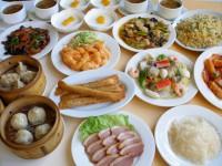 各種宴会、ご家族揃ってのお食事にお座敷もご利用ください。